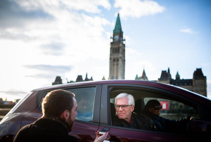 Jim Carr, Nissan Leaf, Zoe Caron, Ottawa, Kinder Morgan