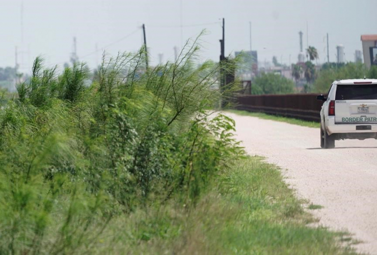 U.S. Border Patrol vehicle, U.S.- Mexico border, Hidalgo, Texas,