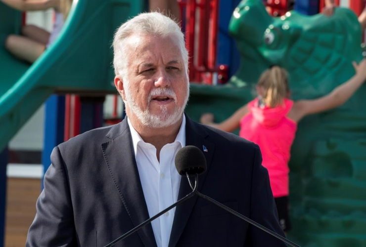 Primary school students, Quebec Liberal Leader, Philippe Couillard, education program, St-Felicien,
