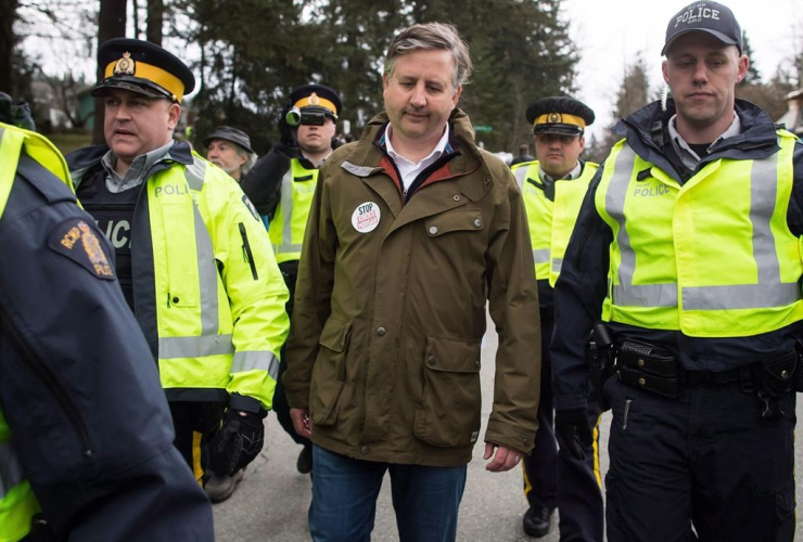 NDP MP Kennedy Stewart, arrested, RCMP officers, protesters, Kinder Morgan, Burnaby,
