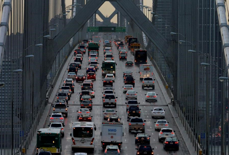 151210-AP-vehicles-San-Francisco-Oakland-Bay-Bridge