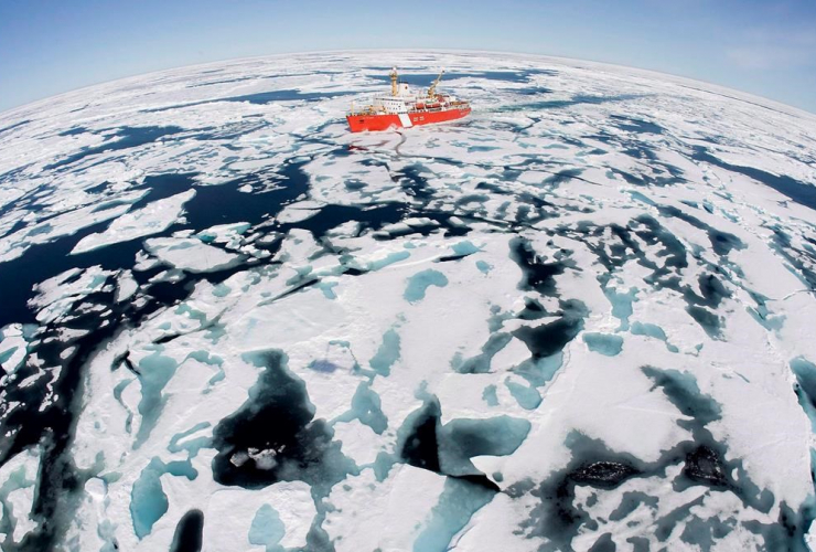 Canadian Coast Guard, icebreaker, Louis S. St-Laurent, Baffin Bay,