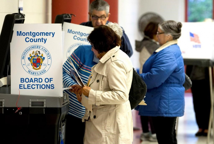 People, cast, vote, scanner machine, polling place, U.S. midterm election,