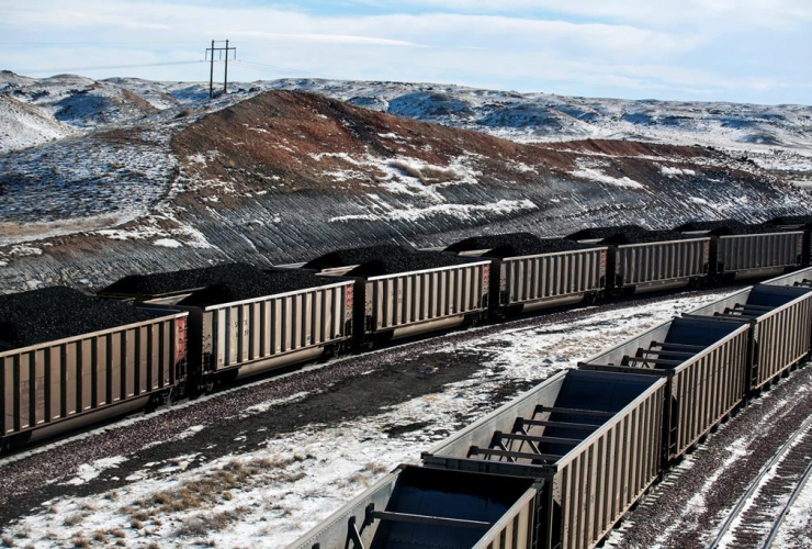 rail cars, coal, topper agent, Cloud Peak Energy, Antelope Mine,
