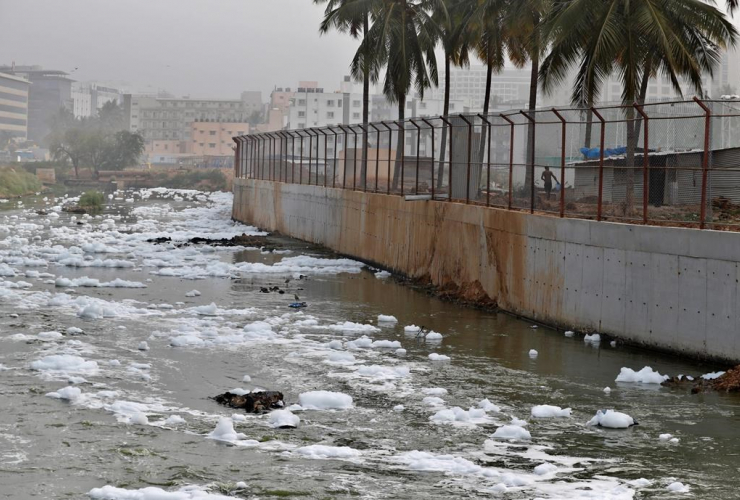 toxic froth, industrial pollution, Bellundur Lake, Bangalore, India,