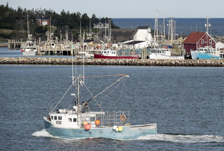 fishing boat, harbour, Yarmouth,