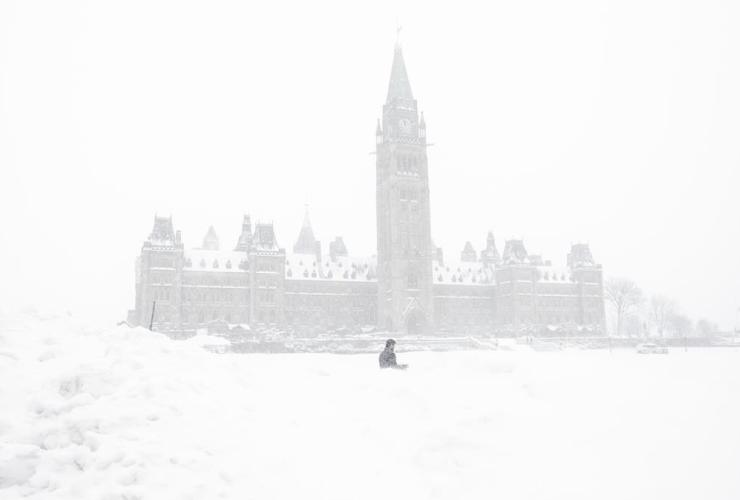 pedestrian, snowbank, Parliament Hill, Ottawa,