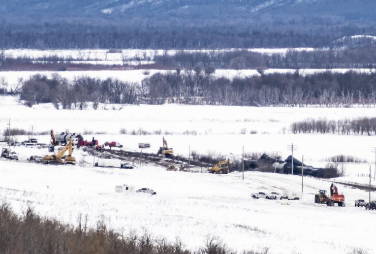 Excavators, train derailment, St. Lazare,