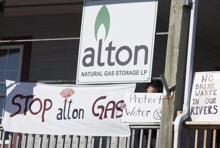 Protesters, Alton Natural Gas Storage LP, Stewiacke,