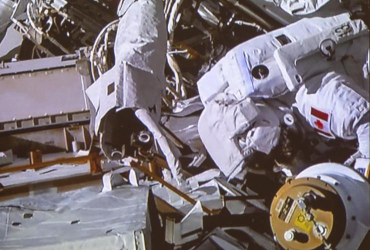 Canadian astronaut David Saint-Jacques, spacewalk,