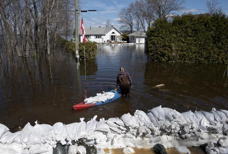 boat, sandbags, flooding, Bayview Drive, Constance Bay,