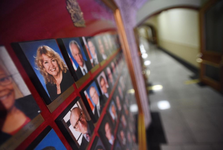 Senator Lynn Beyak, Senators official portraits, Senate, Parliament Hill,