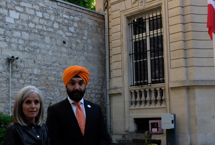 190515-ck-french_abassador_isabelle_hudon_and_innovation_science_and_economic_development_minister_navdeep_bains.jpg
