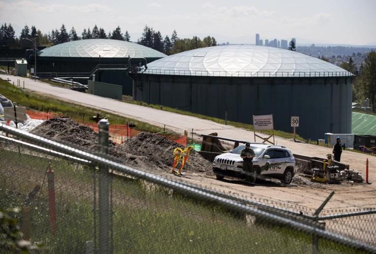 security guard, construction workers, Kinder Morgan Burnaby Terminal, tank farm,