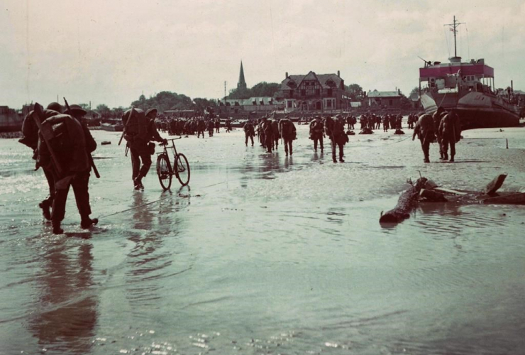 Canadian soldiers, Normandy, France beach, D-Day invasion,