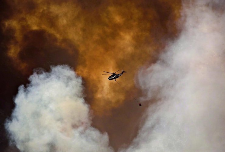 helicopter, battles, wildfire, Fort McMurray,