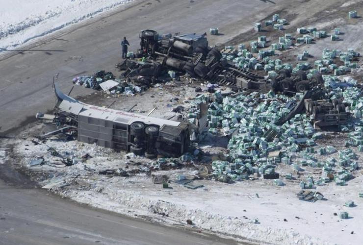 wreckage, crash, Tisdale, Sask.,