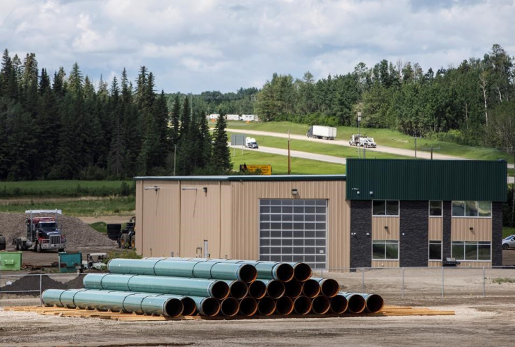 Pipe, Trans Mountain pipeline, unloaded, Edson,