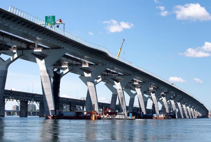 Samuel de Champlain bridge,