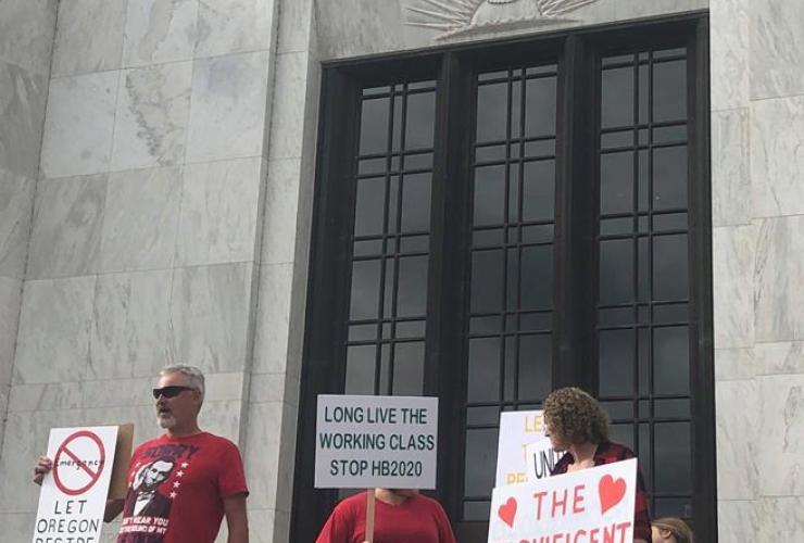 local Republicans, support, Republican walkout, Oregon State Capitol, Salem,