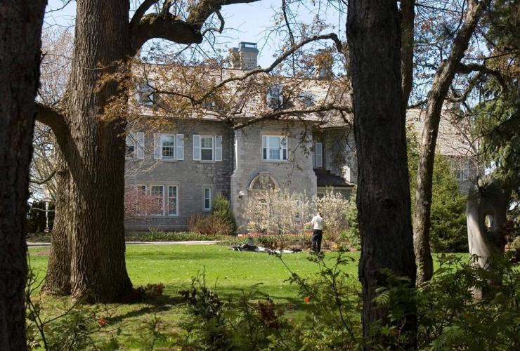 gardener, Prime Minister's residence, 24 Sussex Drive, Ottawa,