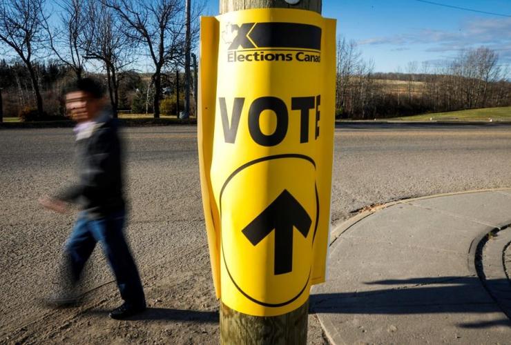 voter, sign, polling station, Canadian federal election, Cremona,