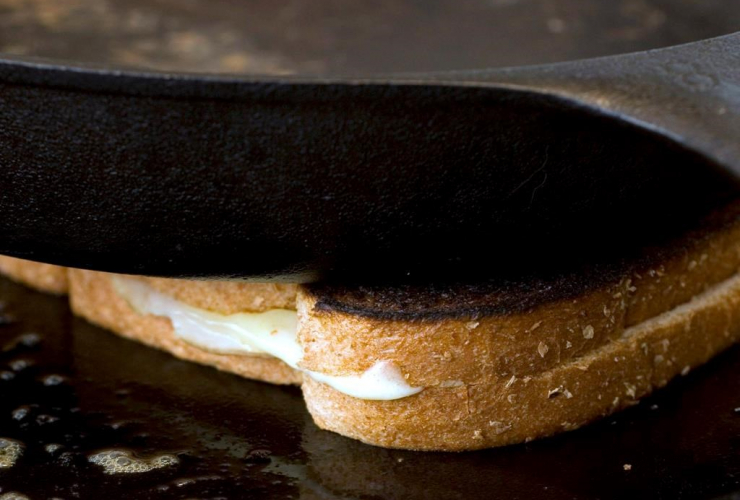 cast iron pan, grilled cheese sandwich,