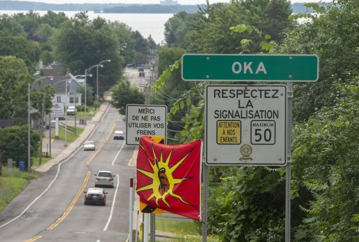 Mohawk flags, Kanasatake Mohawk territory, Oka,