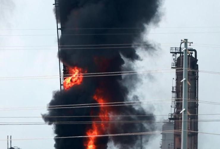 Flames, smoke, fire, Exxon Mobil, Baytown, Texas,