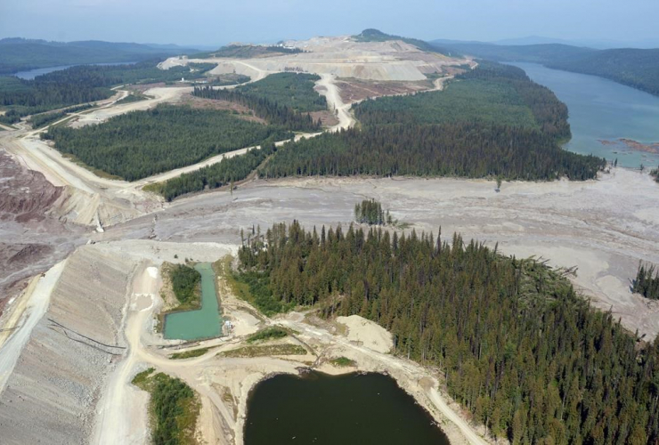 Damage, tailings pond, breach, Likely,