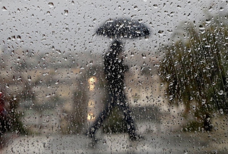 Raindrops, window, San Francisco,