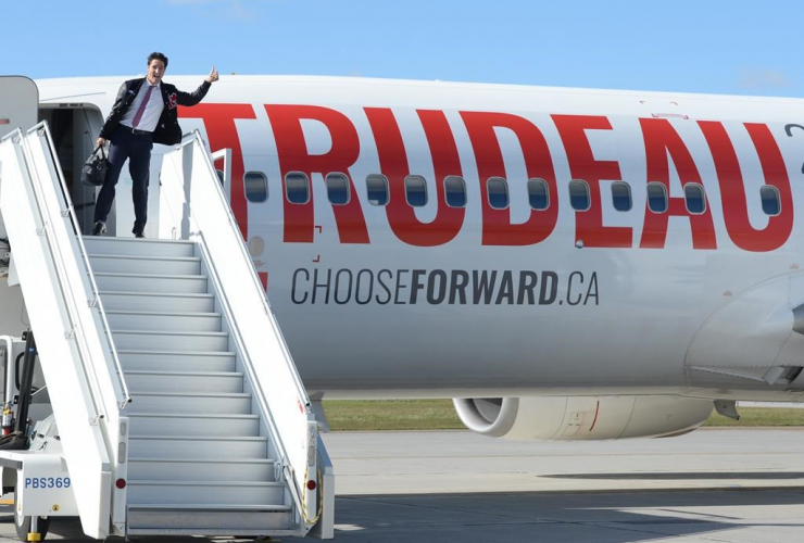 Liberal leader Justin Trudeau, campaign plane, Ottawa,