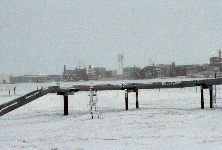 ice, pipelines, Colville-Delta 5 field, CD5, drilling site, Alaska, North Slope,