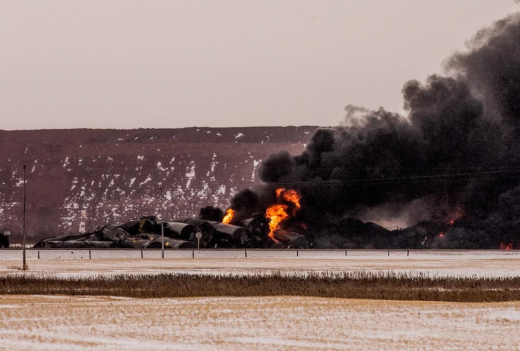 Smoke, derailed Canadian Pacific Railway train,  Guernsey, Sask.,