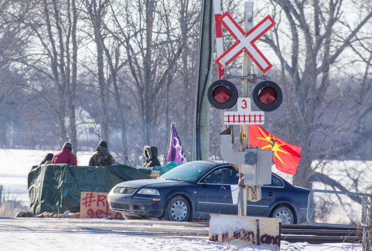 Protesters, train tracks, blockade, Tyendinaga Mohawk Territory,