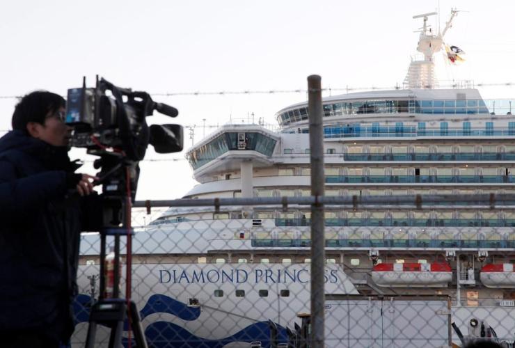 TV cameraman, quarantined ship, Diamond Princess,