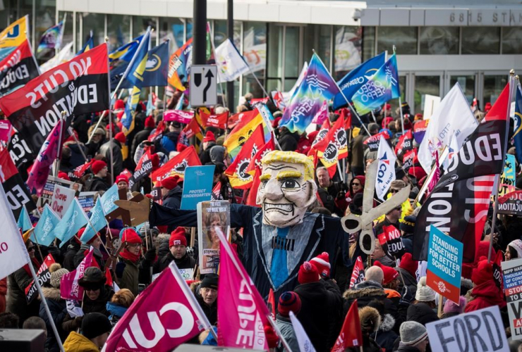 Members, Ontario Federation of Labour, protest, Scotiabank Convention Centre,
