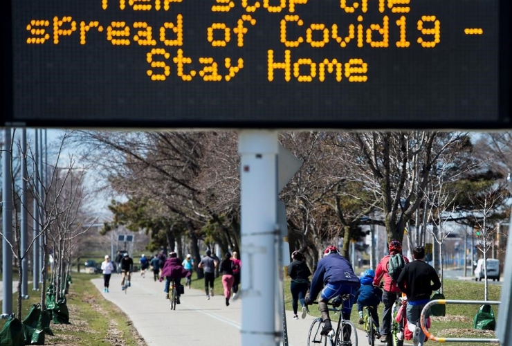 People, exercise, lake shore path, Lake Ontario, Toronto,