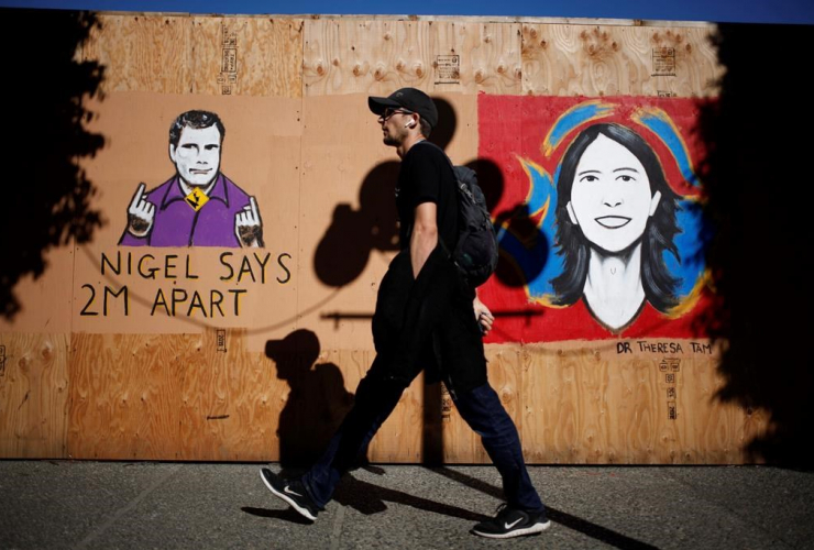 People, walk, mural, sign-language interpreter, Nigel Howard, Chief Public Health Officer, Dr. Theresa Tam,