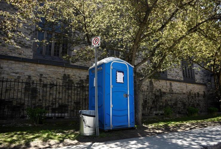 porta-pottie, Knox Presbyterian Church,