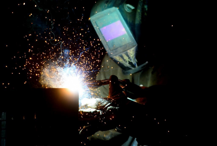 welder, fabricates, steel structure, iron works facility, Ottawa,