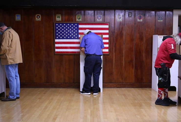 Voters, ballots, American Legion Post 1, Election Day, Tulsa, Okla.,