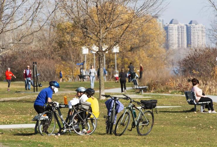 People, warm weather, lakeshore, Montreal,