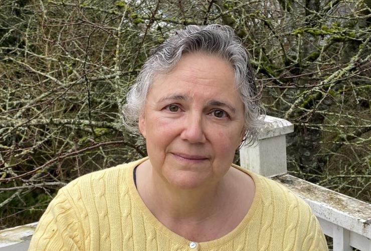 Lorraine Graves,
