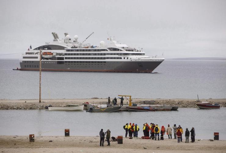 cruise ship, zodiac boats, Gjoa Haven, Nunavut,