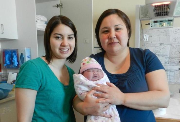 Inuit midwives, Cas Augaarjuk Connelly, Rachel Qiliqti Kaludjak,