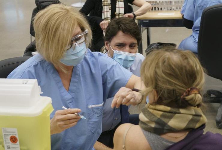 Justin Trudeau, COVID-19 vaccine, vaccination clinic, Montreal,