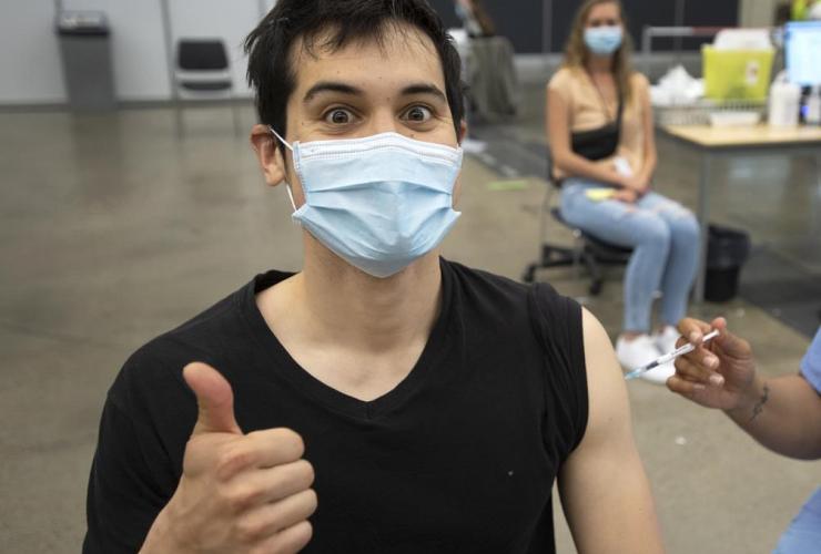 Adam Feller, Pfizer-BioNTech, COVID-19 vaccination clinic,
