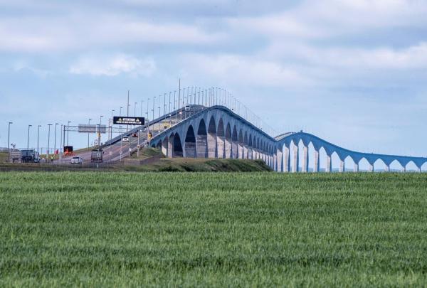 Motorists, Confederation Bridge,